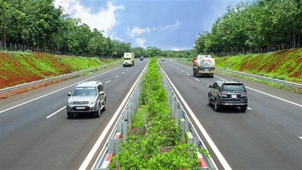 230.000 tỷ đường bộ cao tốc Bắc-Nam: Cần, nhưng...