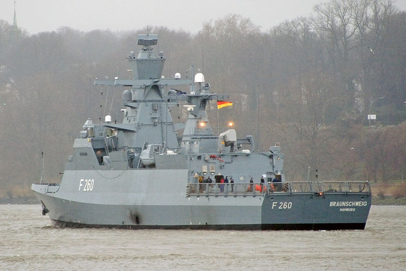 Theo kế hoạch, hai chiếc hộ tống hạm đầu tiên được chuyển giao cho Hải quân Đức vào năm 2019, ba chiếc còn lại vào năm 2023. Hiện Hải quân Đức sở hữu năm tàu hộ tống Braunschweig. Hạm đội tàu chiến mới này theo dự kiến sẽ được sử dụng chủ yếu ở các khu vực ven biển, bao gồm vùng Biển Baltic.