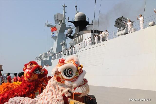 Ngoài ra, Hải quân Trung Quốc cũng sẽ tới thăm căn cứ Ream của Hải quân Hoàng gia Campuchia (RCN). Đây là chuyến thăm cảng thứ 4 của hải quân Trung Quốc tới Campuchia trong vài năm qua. (Trong ảnh: Chiến hạm Type 054A thăm Campuchia hồi tháng 2/2016).
