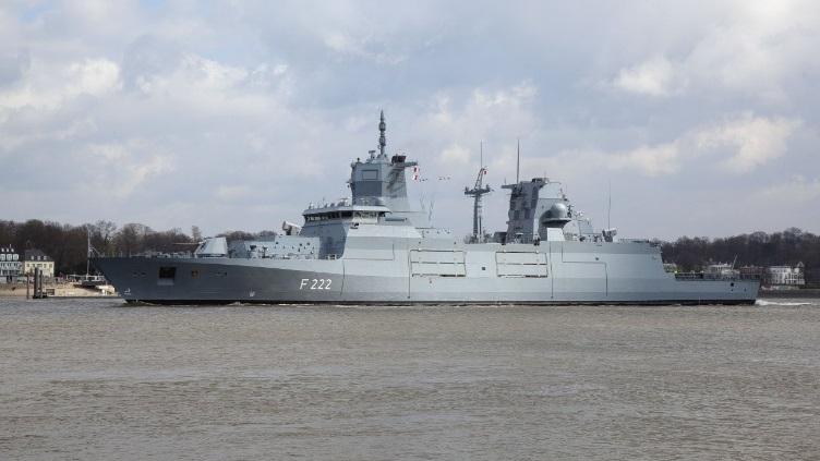 Khinh hạm Type 125 được trang bị hệ thống dữ liệu chiến đấu đa chức năng FUWES với thiết kế dạng các modul mở cho phép tạo sự linh hoạt cao trong hoạt động tác chiến, dễ dàng tiến hành sửa đổi và nâng cấp trong tương lai.