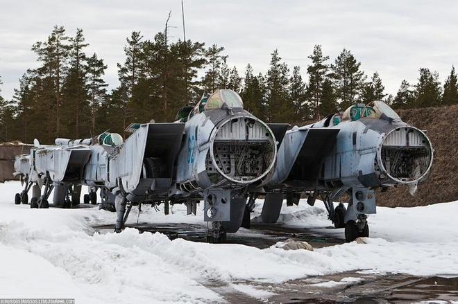 Các nhà thám hiểm tự do đã tìm được một địa điểm tại ngoại ô Moskva, nơi cực kỳ thích hợp cho những ai muốn được nghe âm thanh của từng giọt tuyết tan nhỏ ra từ cơ thể nhôm của máy bay.