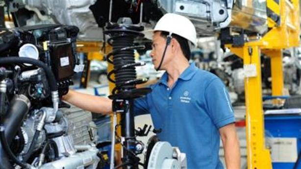 Giấc mơ ôtô Việt thêm dai dẳng: Làm xe tải còn khó...