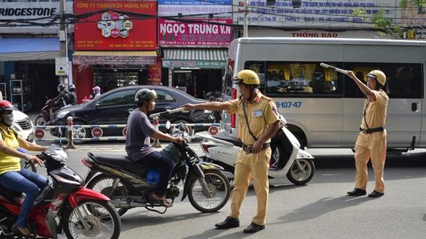 Phạt xe không chính chủ: CSGT các tỉnh trần tình