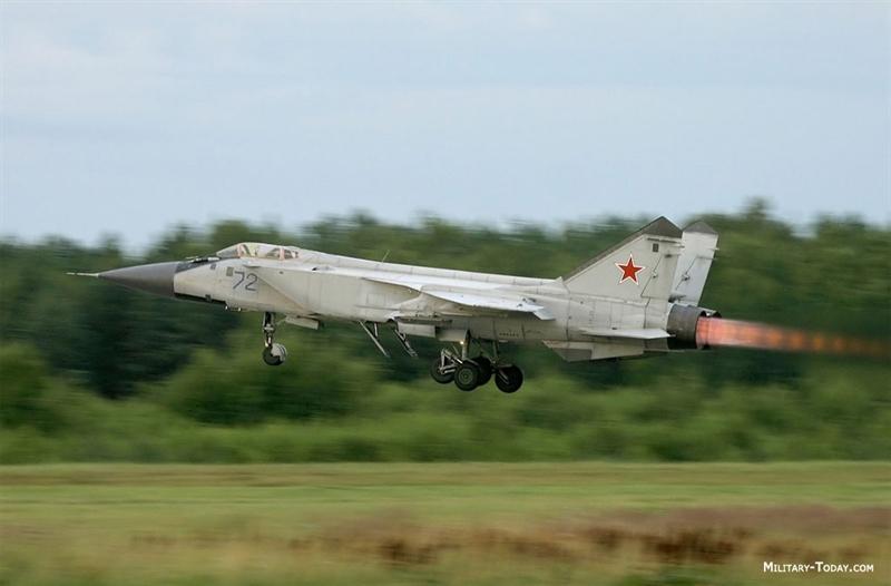 Hãng Sputnik dẫn tuyên bố của Sergei Korotkov – Giám đốc điều hành Tổng công ty máy bay MiG rằng, phi đội máy bay đánh chặn MiG-31 của Không quân Nga sẽ phục vụ đến năm 2028, trước khi được thay thế bởi một dòng tiêm kích đánh chặn thế hệ mới khác đang MiG phát triển.
