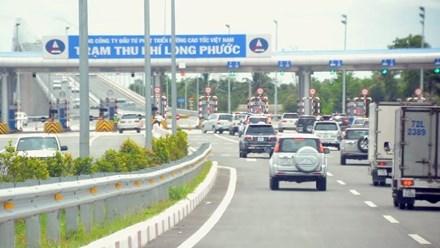 Thu phí cao tốc theo giờ: Bộ GTVT thận trọng