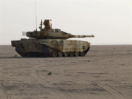 Thông tin Kuwait công khai muốn mua xe tăng T-90MS thực sự gây bất ngờ với Mỹ bởi đây là thị trường lâu năm của nước này. Đặc biệt hiện nay, quốc gia Trung Đông này đang sở hữu khoảng 200 xe tăng Abrams do Mỹ sản xuất.