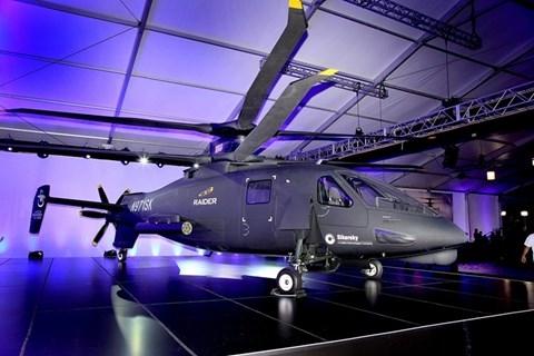 Nhờ các cánh quạt đồng trục quay ngược chiều nhau cùng với động cơ đẩy được bố trí ở phần đuôi giúp S-97 có thể đạt tốc độ di chuyển cực đại lên tới hơn 444km/h - gấp đôi các mẫu máy bay trực thăng thông thường.