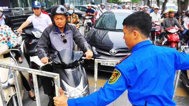 Chủ đầu tư BRT: Không đâu nhiều xe máy như Việt Nam