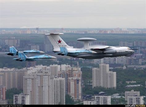 Máy bay A-50U có thể phát hiện máy bay ném bom ở khoảng cách 650 km, chiến đấu cơ cách xa 300 km và mục tiêu dưới mặt đất/mặt biển là 300 km, tên lửa hành trình ở khoảng cách 215 km và có thể theo dõi đồng thời tới 300 mục tiêu khác nhau.
