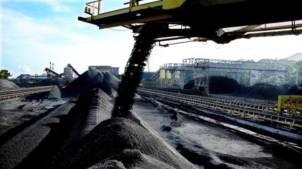 Nghịch lý Việt Nam bán than rồi lại nhập than càng nhiều