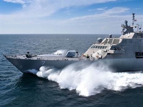 Với lý do lấp lửng được đưa ra, truyền thông Nga tin rằng Mỹ đang tìm cách thay thế tàu LCS hiện có trong trang bị. Được biết, Littoral Combat Ship (LCS) là loại tàu chiến ven biển của Mỹ, nằm trong kế hoạch phát triển dự án mang tên LCS. Họ đã phát triển hai nguyên mẫu tàu chiến gần giống nhau. Nguyên mẫu thứ nhất được nghiên cứu bới công ty Lockheed Martin là tàu tốc độ cao với một thân, còn nguyên mẫu còn lại được phát triển bởi công ty General Dynamics là một tàu 3 thân.