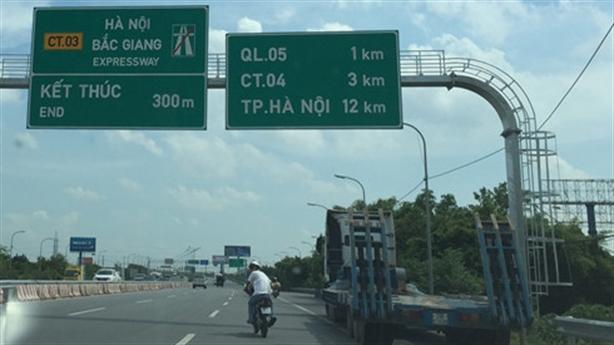 Đi quốc lộ thảm nhựa, nộp BOT cao tốc: Chờ Bộ... giảm
