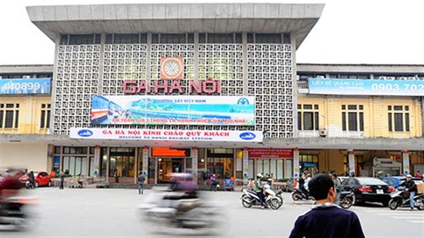 Xây nhà cao 40-70 tầng tại ga Hà Nội: Phục vụ ai?