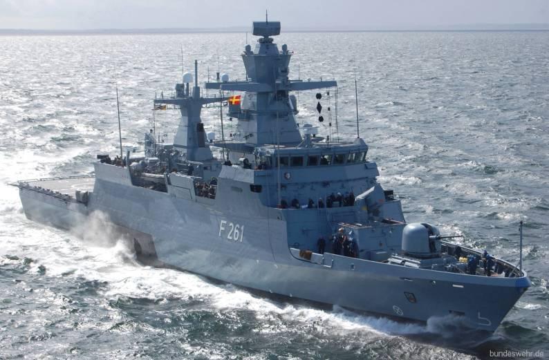 Nguồn tin quân sự Đức cho biết, toàn bộ 5 chiến hạm mới này sẽ được nhà sản xuất chuyển giao vào năm 2023 và rất cấn thiết cho việc thực hiện các nhiệm vụ của Hải quân Đức ở NATO. Các chiến hạm mới sẽ được trang bị công nghệ thông tin cải tiến và sẽ được bổ sung tính năng sơ tán thủy thủ đoàn.