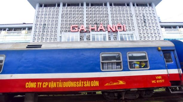 Xây nhà 40-70 tầng tại ga Hà Nội: Đề xuất lạ lùng