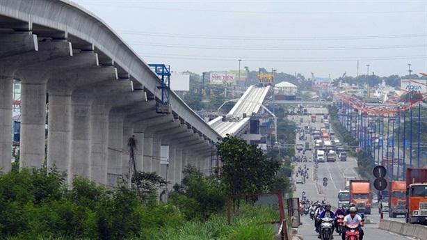 Metro TP.HCM thiếu vốn: Thiệt hại khôn lường?