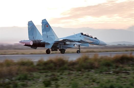 Ông cho biết rằng, VKS Nga đã cùng với quân đội Syria tấn công và tăng sức ép lên bọn khủng bố. Để tấn công hiệu quả, Nga và Syria tập trung tấn công theo nhiều hướng khác nhau nhằm vào các tay súng khủng bố. Trên tất cả các mũi tấn công, VKS Nga đang hoàn thành xuất sắc nhiệm vụ của mình.