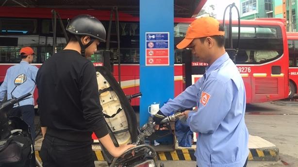 Xăng E5 tiêu thụ thấp, Saigon Petro xin bán lại xăng A92