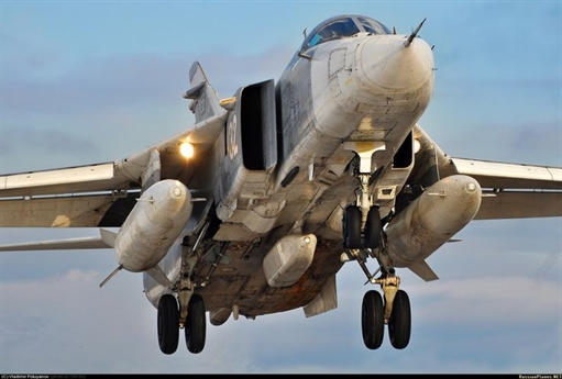 Theo quy định mới của Không quân Nga, toàn bộ máy bay và trực thăng Nga tại Syria chỉ được phép bay ở trần từ 5.000m trở lên nhằm đảm bảo an toàn khi làm nhiệm vụ. Với trần bay này thì những tên lửa bị tình nghi là thủ phạm bắn Su-25 cũng không thể vươn tới.
