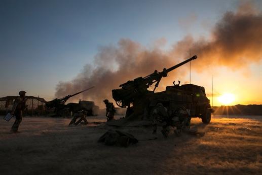 Theo nguồn tin có được cho biết, đơn vị pháo tự hành Caesar của Pháp được triển khai tại bờ phía Đông của sông Euphrates tại tỉnh Deir ez-Zor trong trung tuần tháng 5 vừa qua và bước đầu đã có một số hoạt động quân sự tích cực tại đây.
