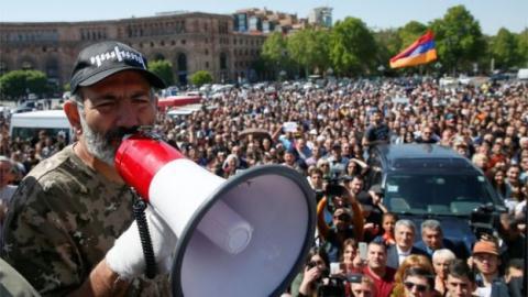 Hau Cach mang Nhung o Armenia: My quyet phuc han Nga