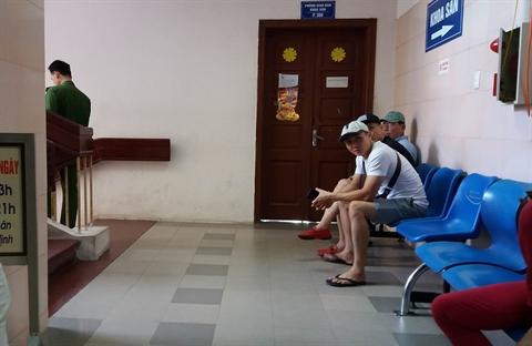 Nhap vien cho sinh, san phu bang hoang khi 'thai ngung tim'