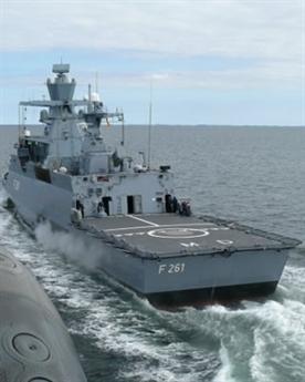 Được biết, cùng với 5 chiến hạm lớp Braunschweig mới Đức quyết định mua, khu trục hạm vừa bị phát hỏa Schleswig-Holstein là những chiến hạm chủ lực được Hải quân Đức tuyên bố dùng để kiềm chế sức mạnh của Hải quân Nga trên vùng biển Baltic.