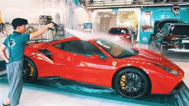 Việt Nam có thể sửa được siêu xe Ferrari Tuấn Hưng