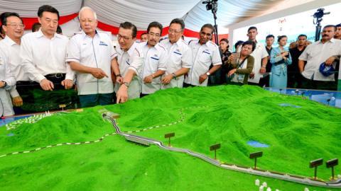 Malaysia rut khoi Nhat doi, nhat lo: Trung Quoc phai lo?