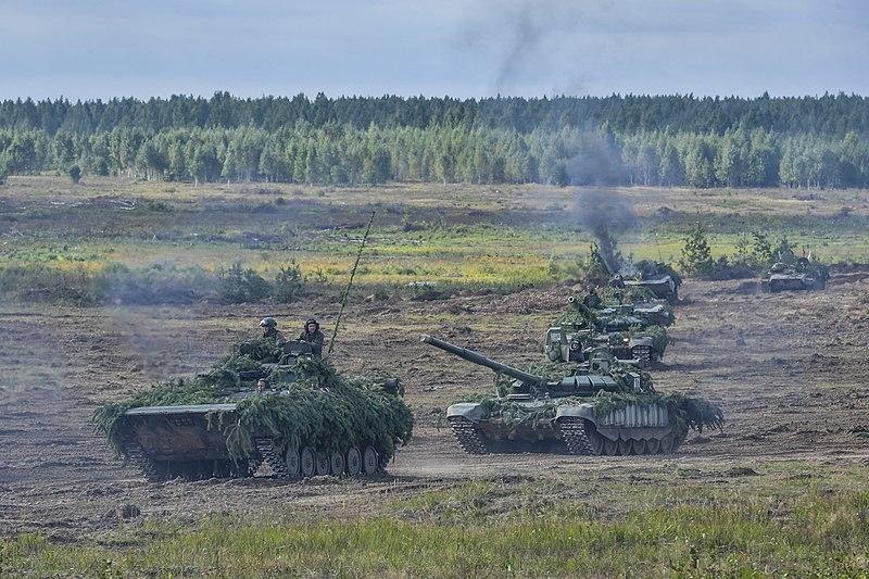 Tổng thống nói thêm rằng cũng đã bàn giao 5 tàu nổi, 250 xe tăng và xe bọc thép. \