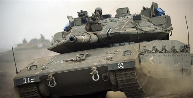 Nhưng theo National Interest, tăng Merkava Mark IV của Quân đội Israel mới xứng đáng đứng ở ngôi đầu. Theo thông tin được công khai, Merkava Mark IV là phiên bản mới của Merkava Mark IV là thế hệ thứ 4 của dòng tăng chủ lực hiện đại nhất Israel Merkava được phát triển và đưa vào sử dụng từ cuối những năm 1970.
