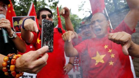 Trung Quoc trien khaicam ban iPhone giua cang thang Huawei