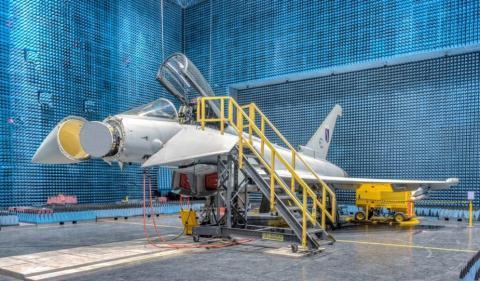 Trang bi moi khien Typhoon manh ngang F-35