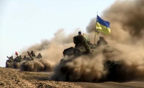 Cáo buộc được đại diện LNR đưa ra hôm 22/12 khi lực lượng này phát hiện nhiều vũ khí hạng nặng của quân chính phủ Ukraine gồm súng chống tăng MT-12, xe chiến đấu BMP-1, pháo phản lực Grad, pháo tự hành 2S3 Akassia, đặc biệt là lượng lớn xe tăng T-64BM Bulat... dồn đến tuyết giáp ranh với Donbass.