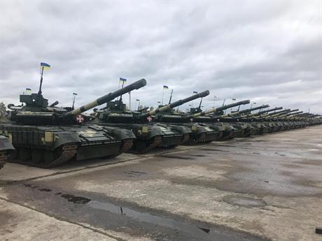 Các xe tăng Т-64BM Bulat có ngoại hình không khác biệt lắm so với người tiền nhiệm T-64BV, nhưng khác đáng kể về vũ khí và hệ thống bảo vệ. Cơ quan mua sắm quốc phòng Ukraine Ukroboronprom tuyên bố sẽ tiếp tục hiện đại hóa xe tăng T-64 lên chuẩn T-64BM Bulat và cho rằng đây là là loại tăng có khả năng chiến đấu ngang ngửa với dòng tăng hiện đại nhất của Nga là T-90.