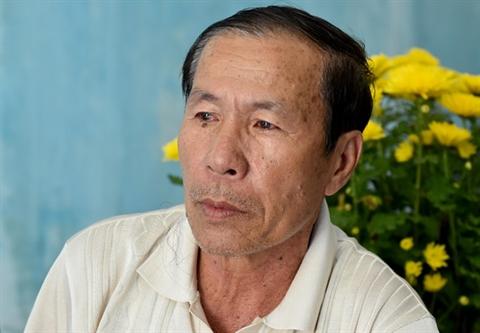 Vu Viet kieu bi tat axit:Hai cuoc goi cho nguoi cha