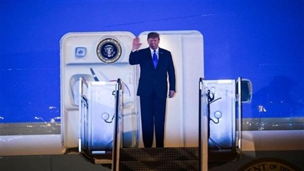 Góc ảnh đẹp Tổng thống Donald Trump đặt chân xuống Hà Nội
