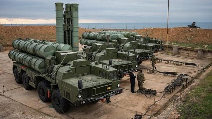 Ông Attiyah cho biết một thỏa thuận hợp tác quân sự mà hai nước đã ký kết từ tháng 10/2017 khi Bộ trưởng Quốc phòng Nga Sergei Shoigu đến thăm Qatar \