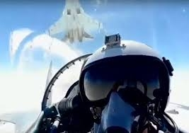 Bởi ngay trước khi Nga thông báo về thương vụ Su-35 với Ai Cập, Giám đốc điều hành của Lockheed Martin là Marilyn Hewson cho biết, giá bán của loại chiến đấu cơ thế hệ 5 F-35 có thể giảm xuống mức 80 triệu USD/chiếc. Mức giá này có thể được áp dụng từ năm 2022.