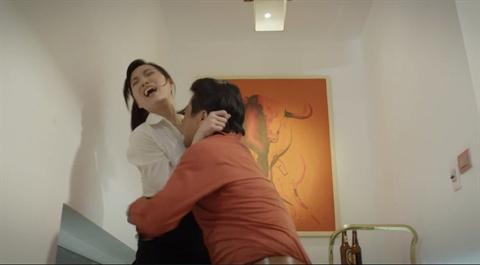 Them phim Viet nhieu canh cuong buc: Nu chinh trai long