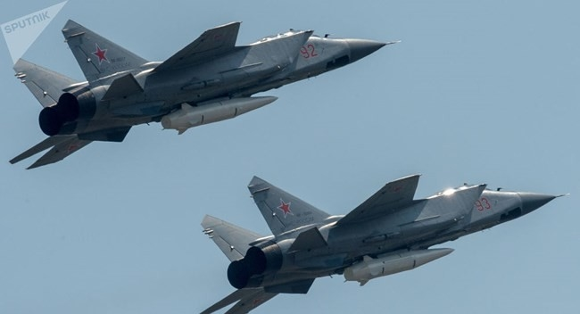 Hiện Nga vẫn chưa có tuyên bố chính thức nào về thông tin được phía Mỹ đăng tải. Nhưng thông tin Nga chuẩn bị thử nghiệm số lượng lớn Kinzhal đã khiến Mỹ bất ngờ tuy nhiên, điều đặc biệt là ngay từ cuối tháng 2/2019, Bộ Quốc phòng Nga ra tuyên bố cho biết, lực lượng này đã cho tiêm kích MiG-31 mang tên lửa siêu thanh Kinzhal tuần tra Biển Đen.