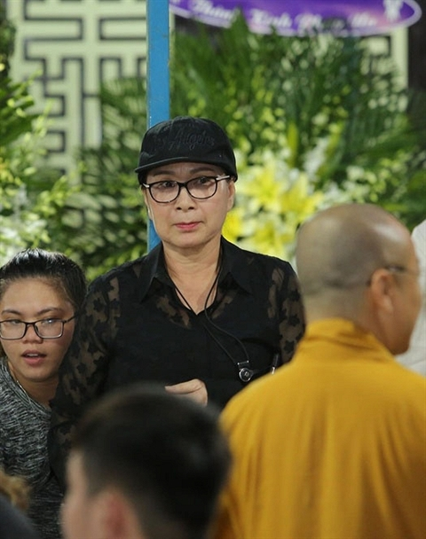 Dam dong trong dam tang Anh Vu: Them chuyen buon!