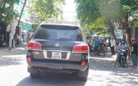 Vu Lexus bien 6666 tong dam tang: 'Muon gio truoc hay sau'