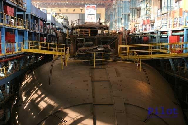 Theo kế hoạch, Hải quân Nga sắp nhận được tàu ngầm lớn nhất thế giới Belgorod với vũ khí hạng nặng là ngư lôi Poseidon. Belgorod là tàu ngầm hạt nhân đầu tiên trên thế giới không chỉ thực hiện các nhiệm vụ quân sự, mà còn có thể tiến hành các nhiệm vụ khác như: khảo sát, thăm dò khoáng sản khu vực thềm lục địa Bắc Cực…