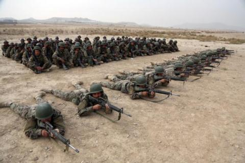 My laicat vien tro an ninh, Afghanistan ngay cang kiet que