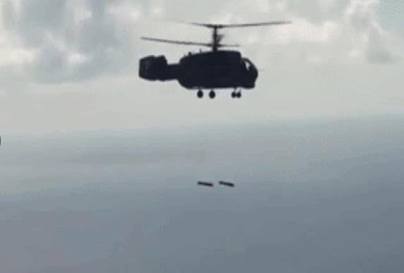 Theo hình ảnh được công bố, chiếc Ka-28 đã đồng thời thả 2 quả bom để đối phó với mục tiêu giả định là tàu ngầm đối phương. Dù không công bố chi tiết về kết quả cuộc diễn tập nhưng nguồn tin này khẳng định, vũ khí mới đã diệt thành công mục tiêu đúng như kế hoạch.