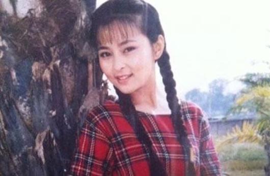 """Vai diễn trong Quỳnh nữ lang của Hà Âm thành công rực rỡ và giúp cô tiếp tục được Quỳnh Dao """"chọn mặt gửi vàng"""" trong bộ phim tiếp theo. Dù không phải những vai quá đình đám nhưng đủ giúp cho Hà Âm có được một sự nghiệp đáng mơ ước."""