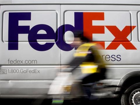 Huawei co co hoi vang khi Trung Quoc dieu tra FedEx