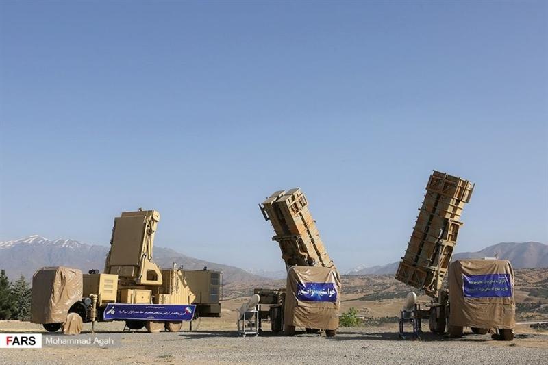 Điểm làm nên sự đặc biệt của vũ khí này chính là Khordad 15 cũng có khả năng phát hiện các mục tiêu tàng hình ở khoảng cách 85 km, kích hoạt và tiêu diệt những mục tiêu này trong tầm bắn 45 km.