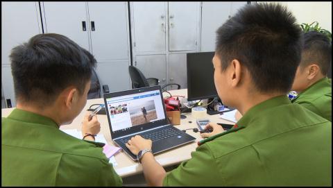 Nguoi phu nu Viet sap bay trai Tay: Hai lan chuyen tien
